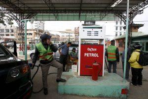 इन्धनको मूल्य फेरि बढ्यो : पेट्रोल १२७ पुग्यो, निगमलाई अझै घाटा !
