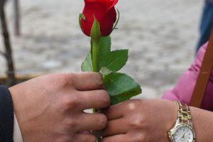 आज भ्यालेन्टाइन्स डे, प्रेम साटासाट गरी विश्वभर मनाइँदै