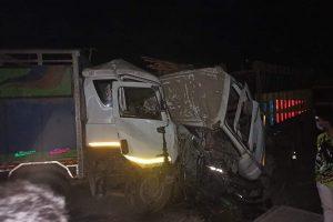 नवलपुरमा दुई ट्रक एक आपसमा जुध्दा २ जनाको मृत्यु