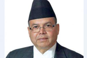 पूर्वप्रधानमन्त्री झलनाथ खनाललाई उपचार गर्न दिल्ली लगिंदै