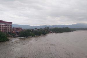 आज पनि देशका धेरै स्थानमा भारी वर्षा हुने, अझै ४,५ दिन यसको असर रहने