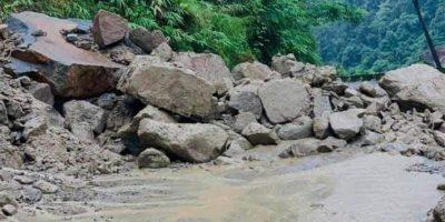 पहिरोले कालीगण्डकी करिडोर आयोजनाको बागलुङ-बेनी सडक अवरुद्ध