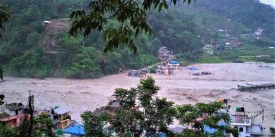 सिन्धुपाल्चोकमा बाढी पहिरोबाट ७ जनाको मृत्यु :  खोज तथा उद्धार जारी
