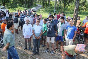 ठिमुरामा फोहोर फाल्ने महानगरको  स्थानीयवासीद्धारा चर्काे विराेध